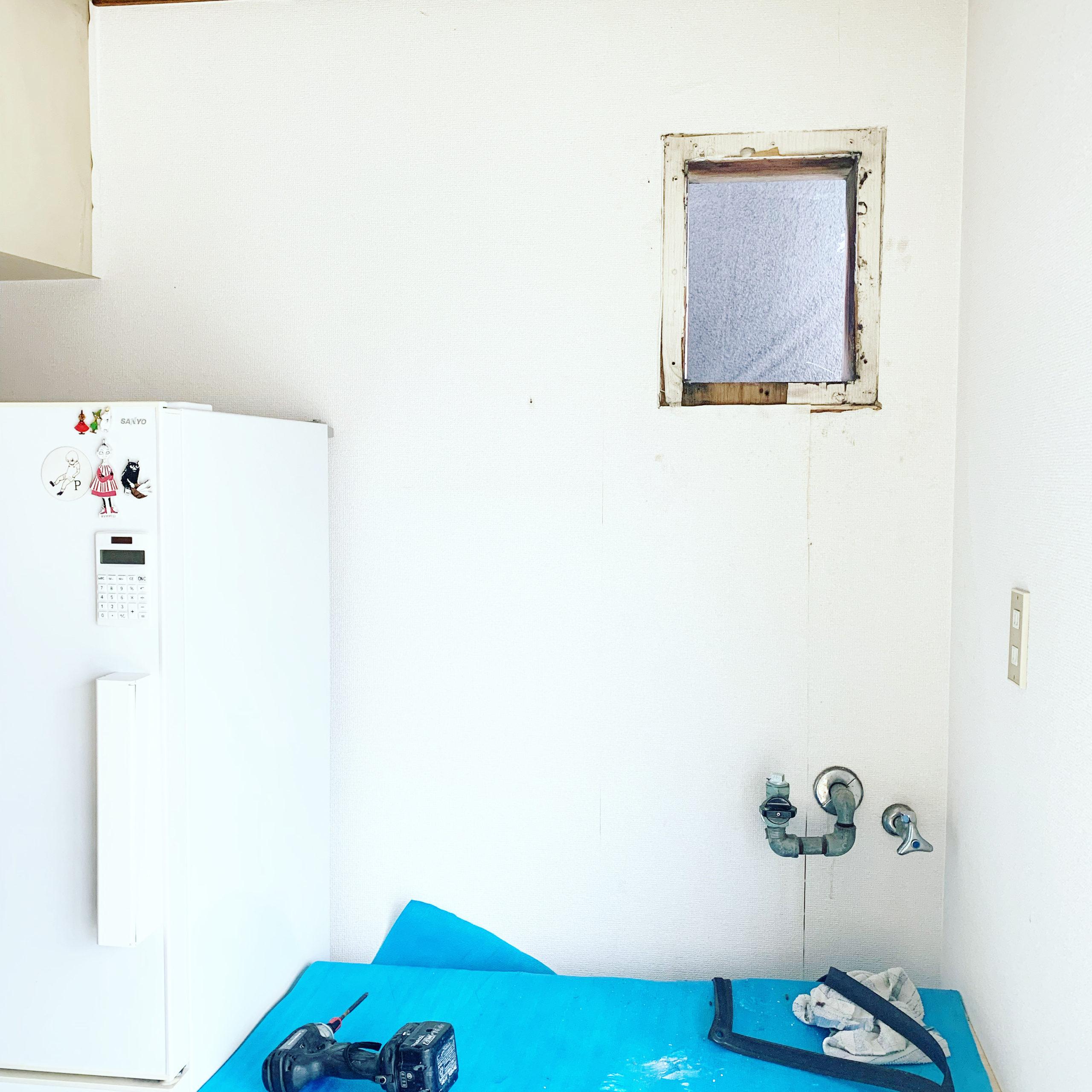 給湯器のあった場所の排気口