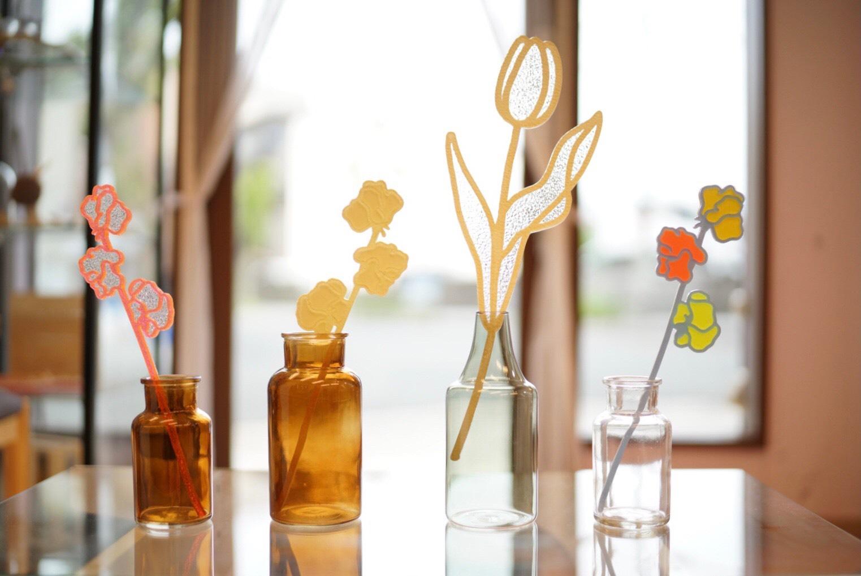 カマダマミコ個展(下記に飾った花のオブジェ)