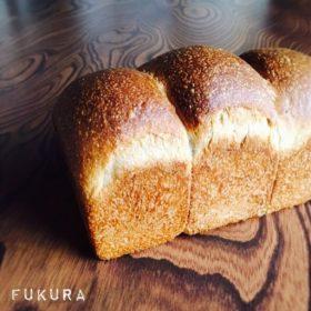 自家製いちご酵母の食パン