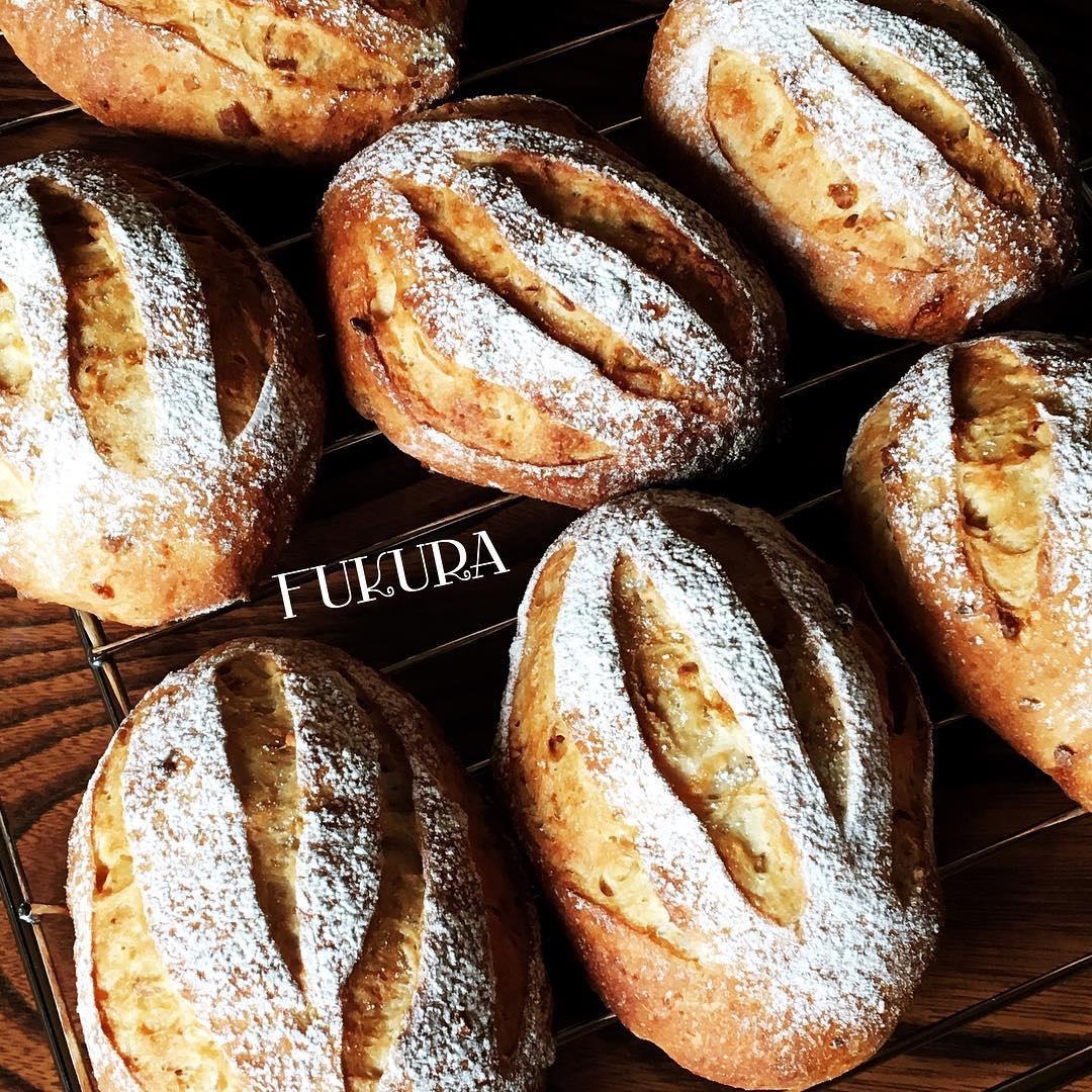 林檎とくるみのパン