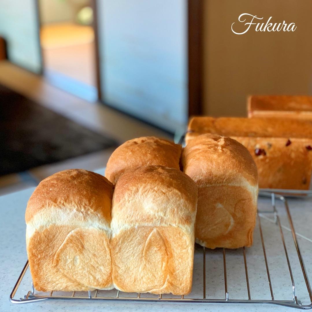 フクラの代表食パン・パンドミ